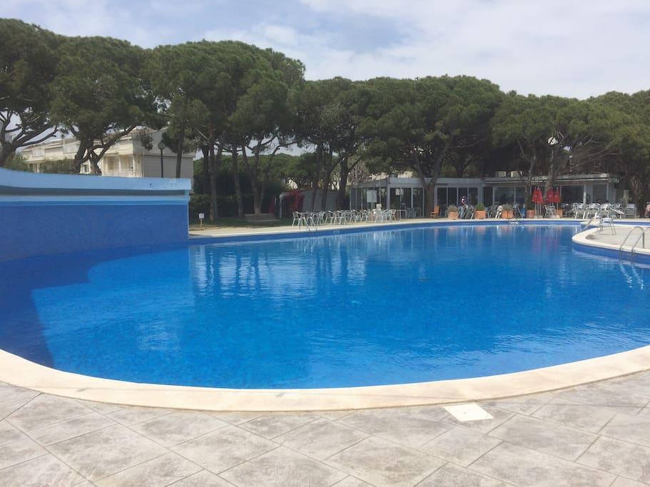 Restaurant at swimming pool
