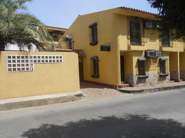 Bello apartamento en Pampatar - Pampatar - Apartament