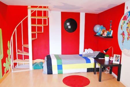 1 chambre   - maison d'artiste  - Villes-sur-Auzon