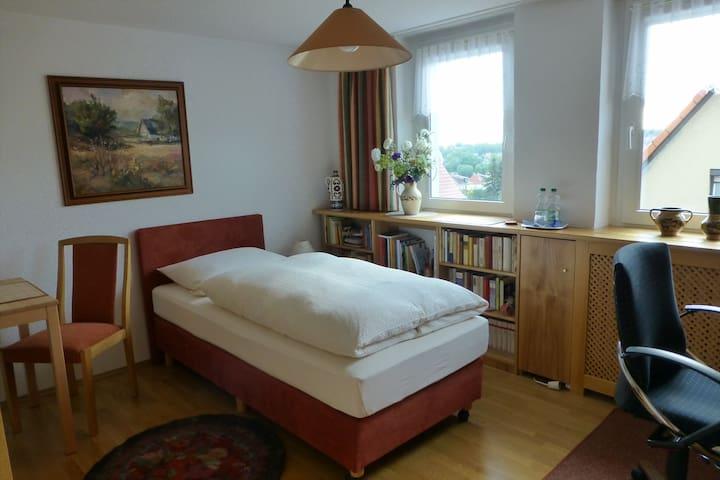 Einzelzimmer in schöner Stadtlage - Zwickau - Huis