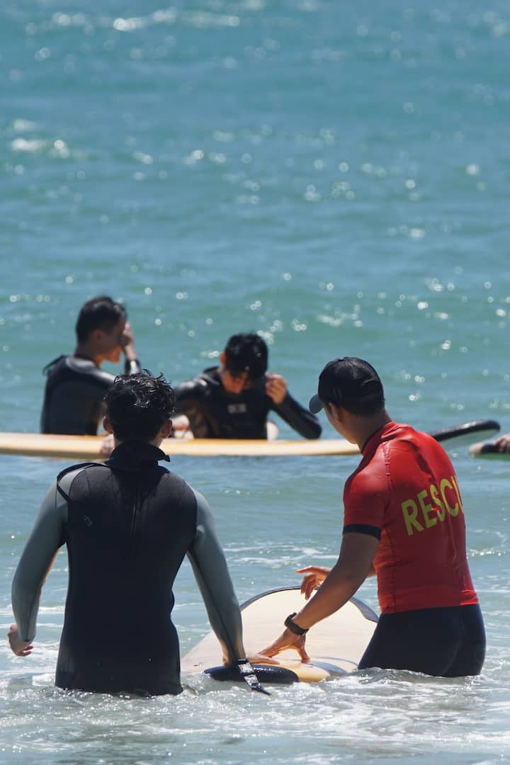 모든 서핑강습은 전문코치와 함께합니다!