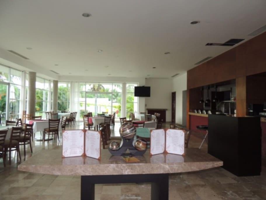 Restaurante casa club, servicio room service