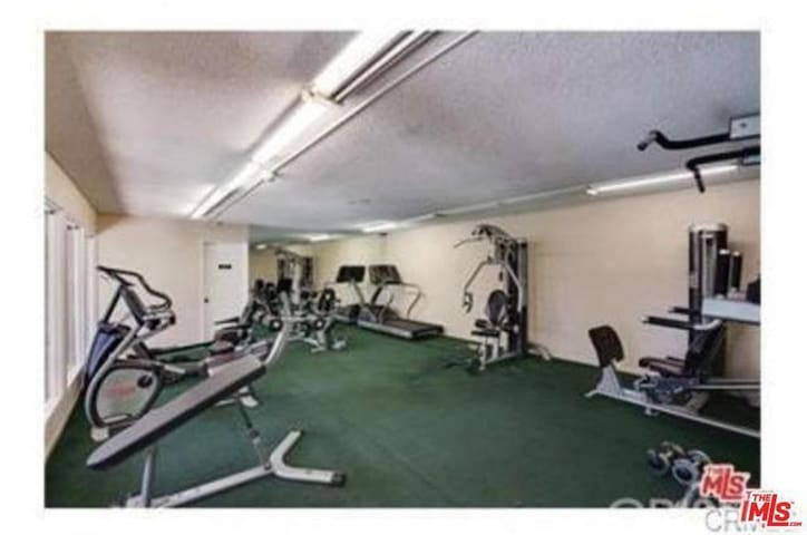 UNIQUE FULLY EQUIPPED CONDO 2bd/2ba/2parking/pool