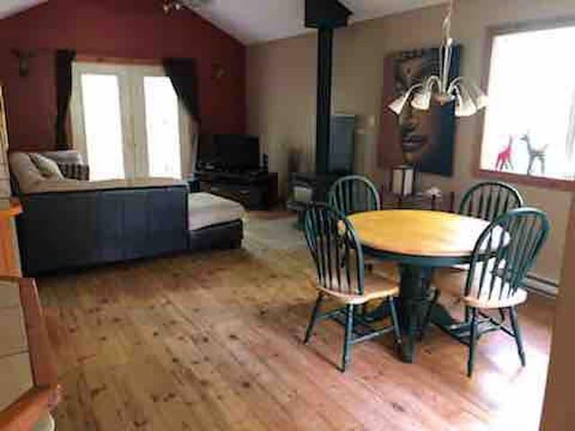 2-bedroom condo close to all amenities!