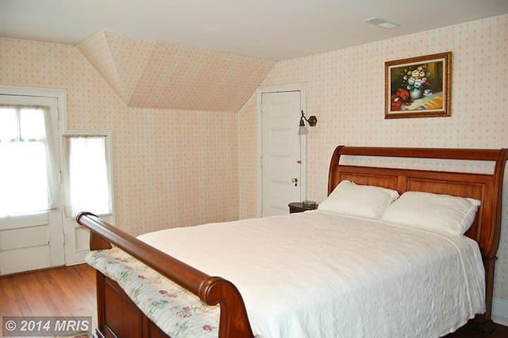 Albanus Philips Inn Fleur de Lis Room