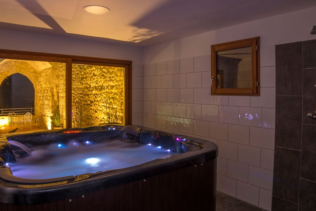 Le jacuzzi 6 places