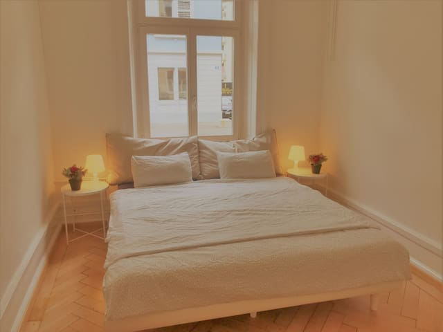 Cozy Room in Zurich City. (longterm rent possible)