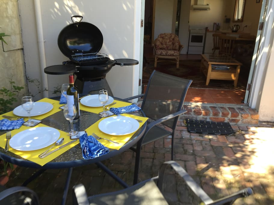 Private Courtyard with BBQ/Roasting cooker