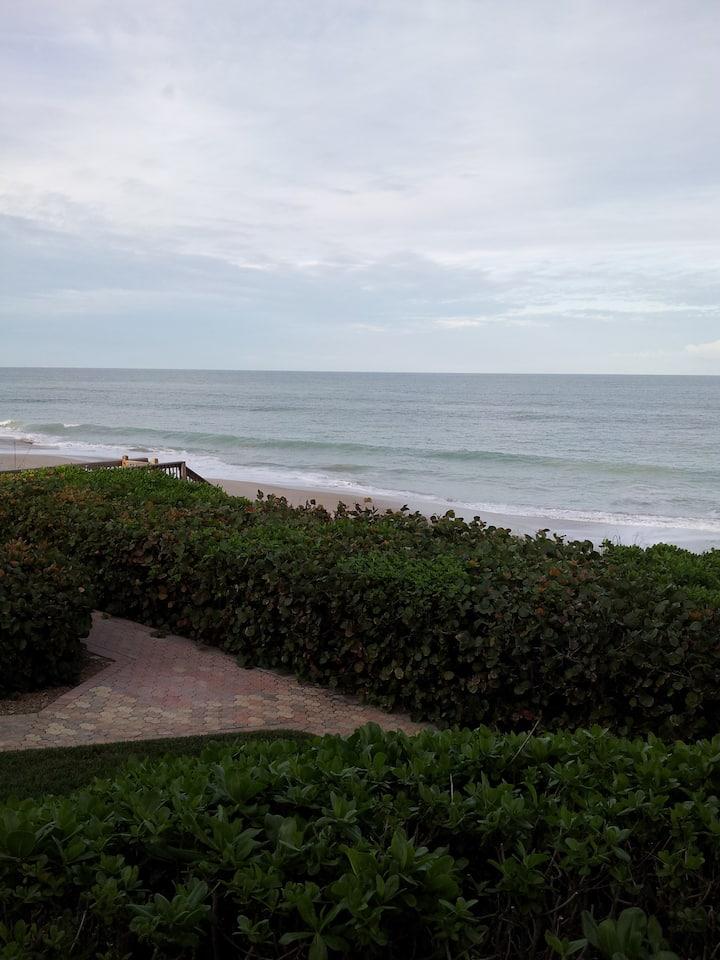 Oceanfront- Views! Views! Views! Heaven on Earth