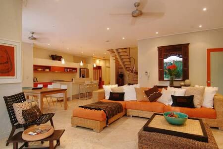 Villa 10 on Grant Street - Port Douglas - Villa