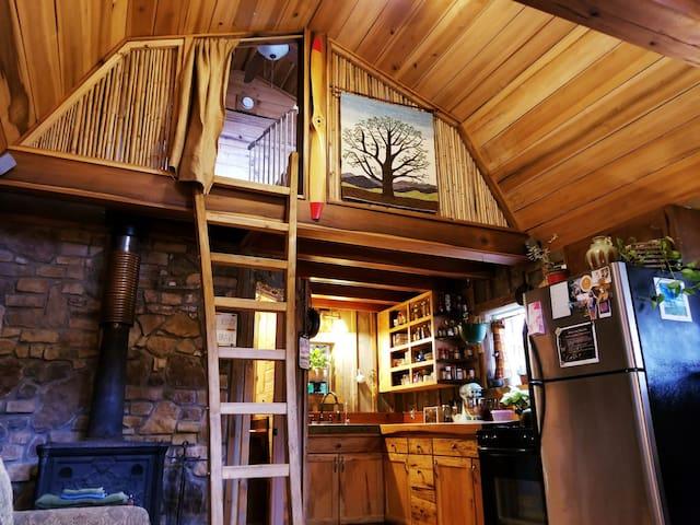Lakeside Cabin @ Seneca Treehouse Project