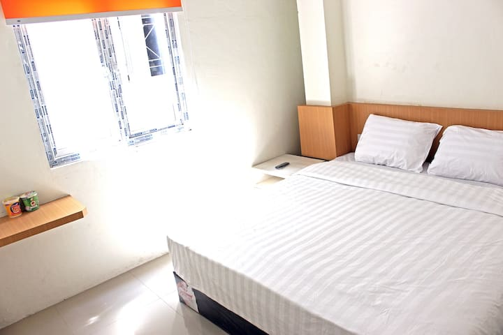 Private Room In City Center - Medan Kota - Townhouse