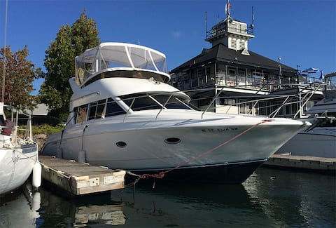 Sporty Yacht - In Historic Oakland