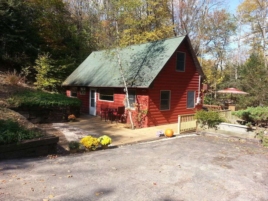 Romantic getaway cabin near lake houses for rent in for Romantic weekend getaways in ny