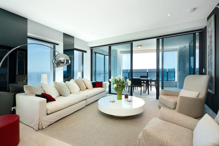 Luxury For The Soul 2 Bedroom Beachfront Apartment