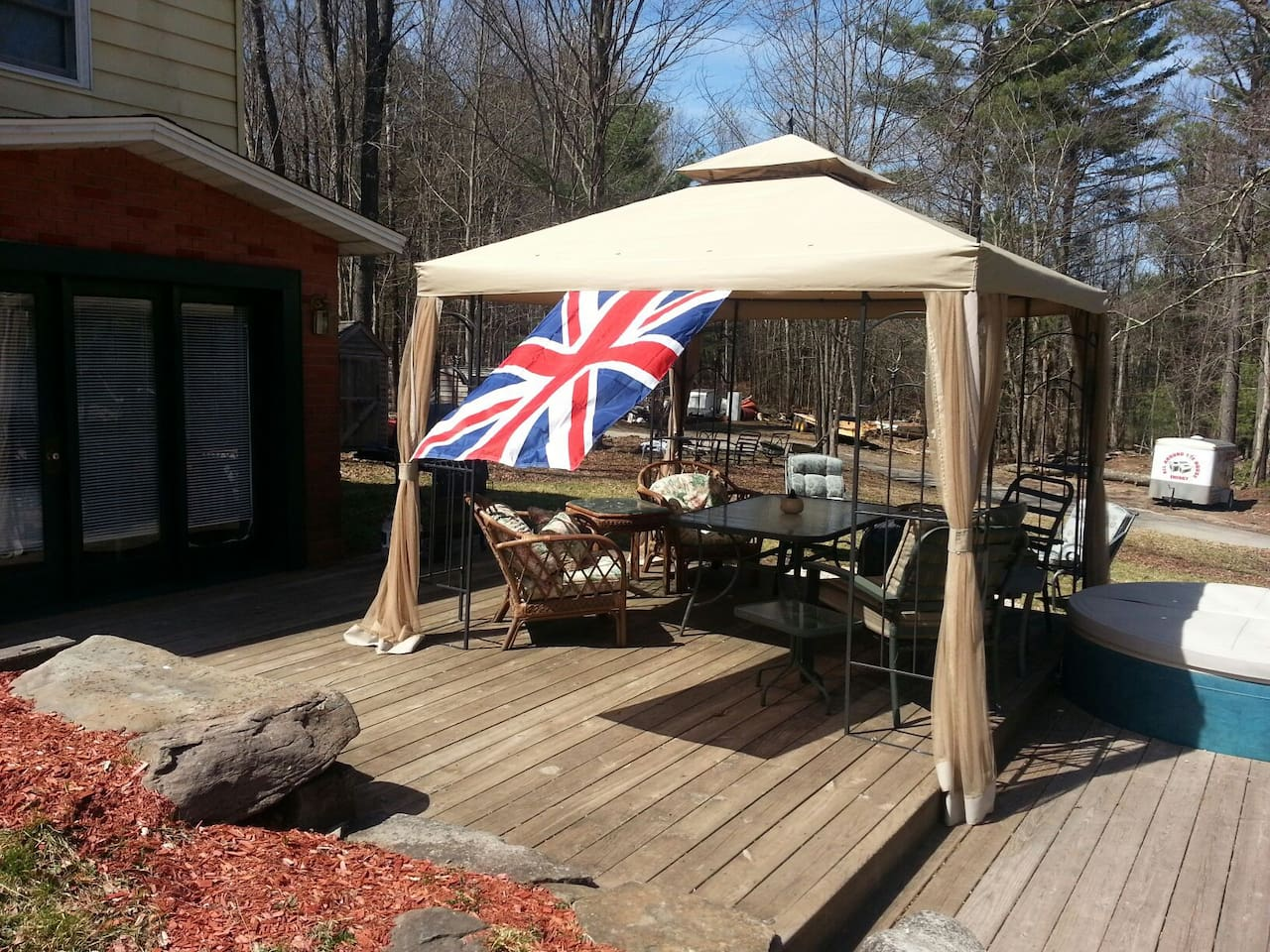 Great outdoor deck area with grille & firepit