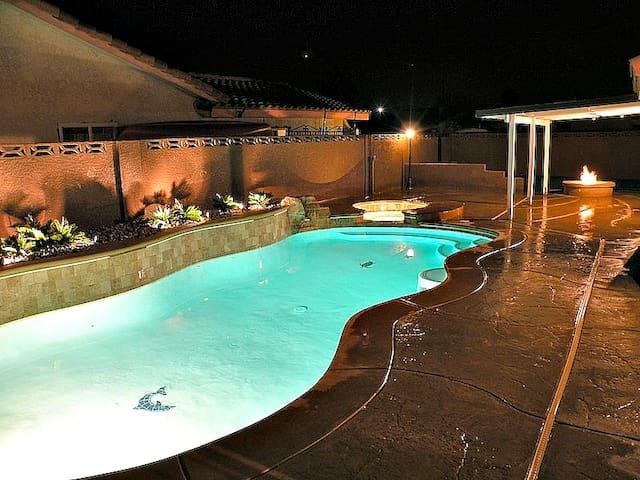 Close To Strip! Pool, Spa & WIFI!!!