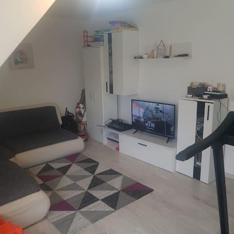 3 Zimmer Wohnung komplett Möbliert.