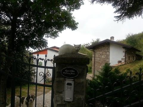 casa tipica dell'appennino tosco-emiliano