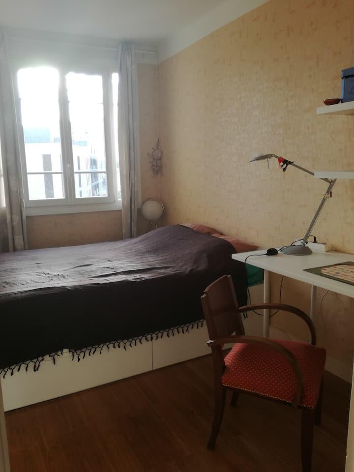 Chambre privée  15 m2 dans appartement