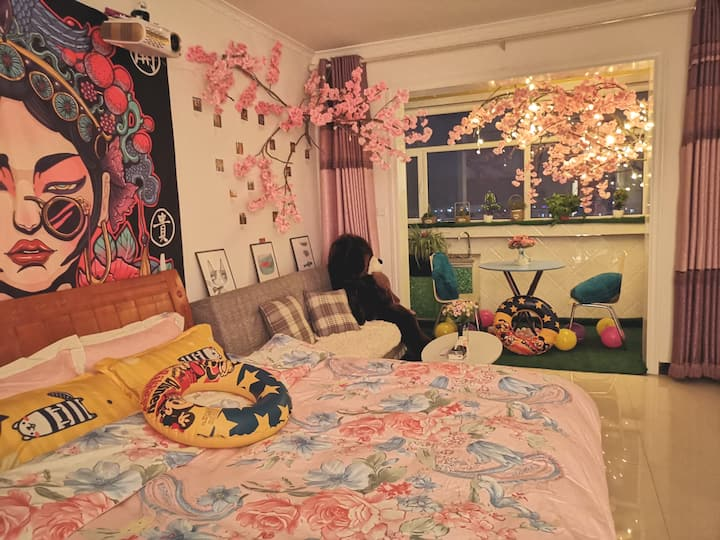 观影大床房 观景阳台 樱花烂漫