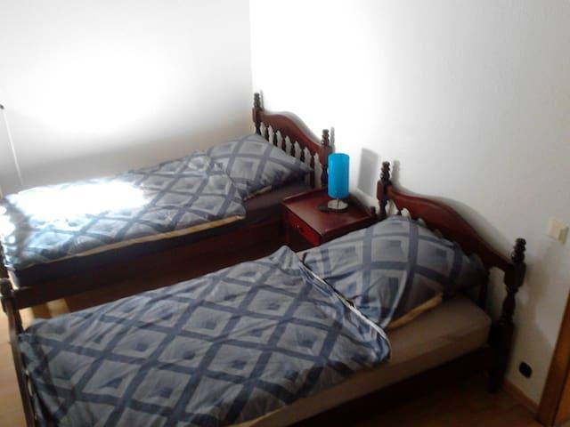 Doppelzimmer in Einliegerwohnung - Nettetal - Ev