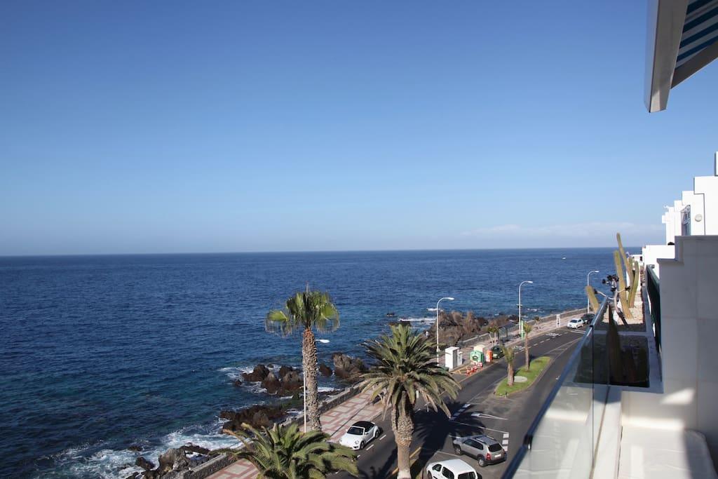 vista del oeste, con La Gomera al fondo
