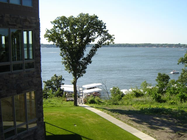Bayview II at Bridges Bay - Awesome lakeview condo