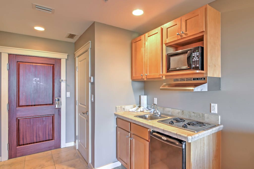 Prepare delicious meals in the unit's well-equipped kitchenette.