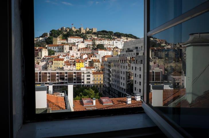 Baixa Apart. w/ Amazing Castle View + Free Pick-Up