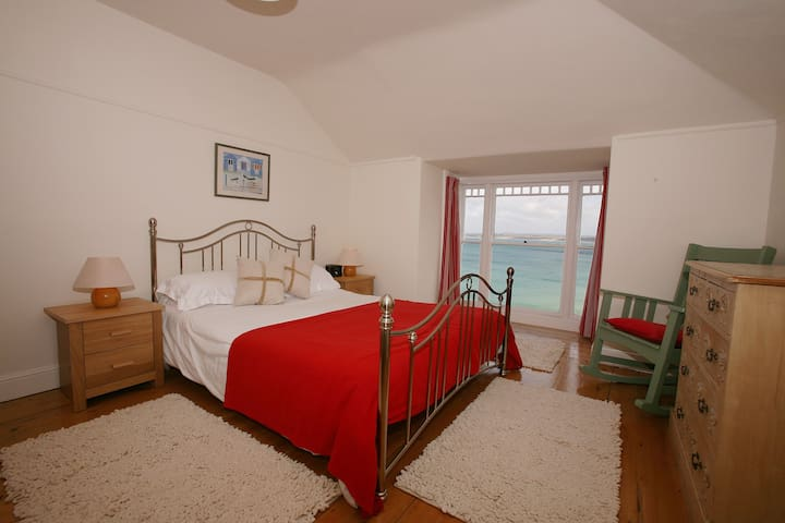 Amazing sea views and parking heart of St Ives - St Ives - Apartment