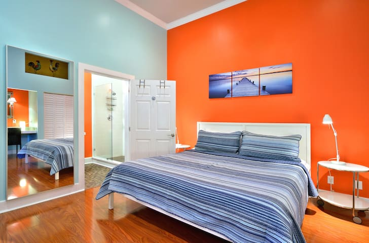 Large Bedroom with King Size Bed and En Suite Bathroom
