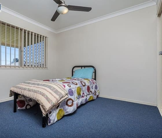 COMFORTABLE HOME - Caboolture South - House