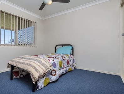 COMFORTABLE HOME - Caboolture South