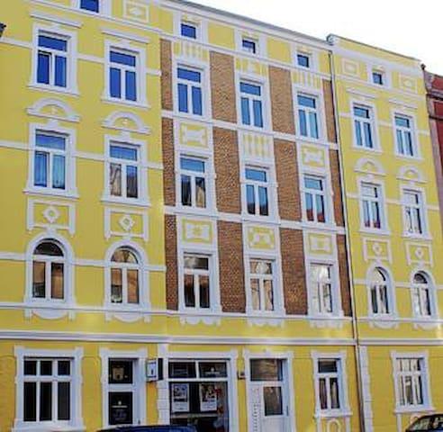 Kleine Wohnung in Bahnhofsnähe - Stralsund - Lejlighed