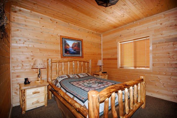 Rustic Cabin Getaway Large Cabin - Coalville - Kabin