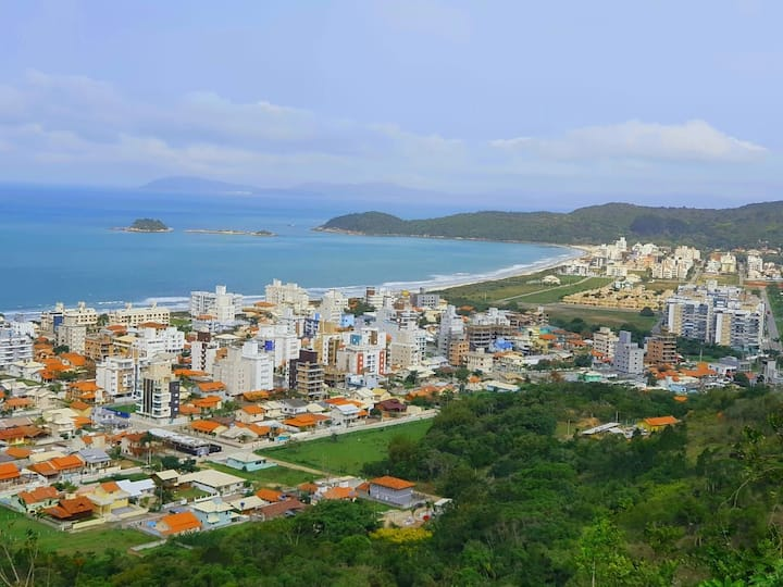 Aconchegante Apto / Praia de Palmas - SC