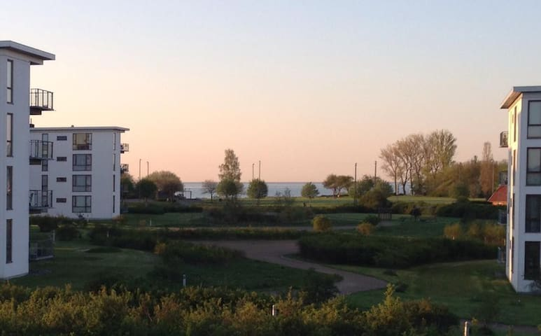Bo tæt på stranden og København - Karlslunde - Apartment