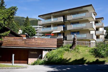 Studio mit Südbalkon, zentrale Lage - Davos - Appartement