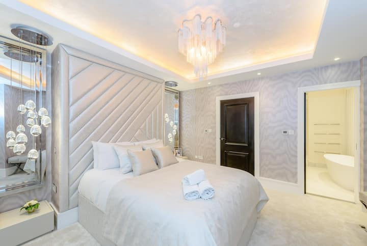 Incredible 6 storey 4 bed luxury house in St James