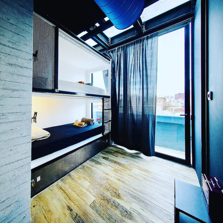 Iconic athens hostel-12bed mixDorm