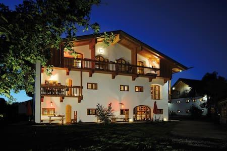 Hagerhof Chiemsee Ferienwohnung Töpferei - Eggstätt - Apartamento