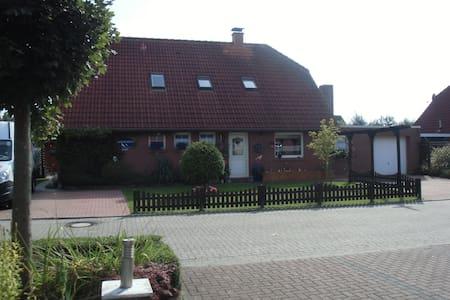 Ferienwohnung nähe Neuharlingersiel - Apartament