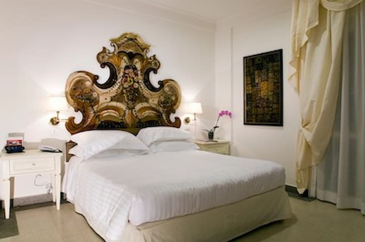 Arcom Palace Camera Small Classic - Pomezia - Bed & Breakfast