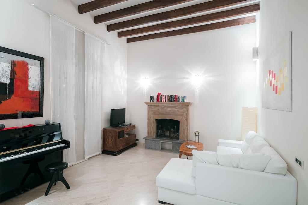 helle wohnung trastevere 2990 wohnungen zur miete in rom latium italien. Black Bedroom Furniture Sets. Home Design Ideas