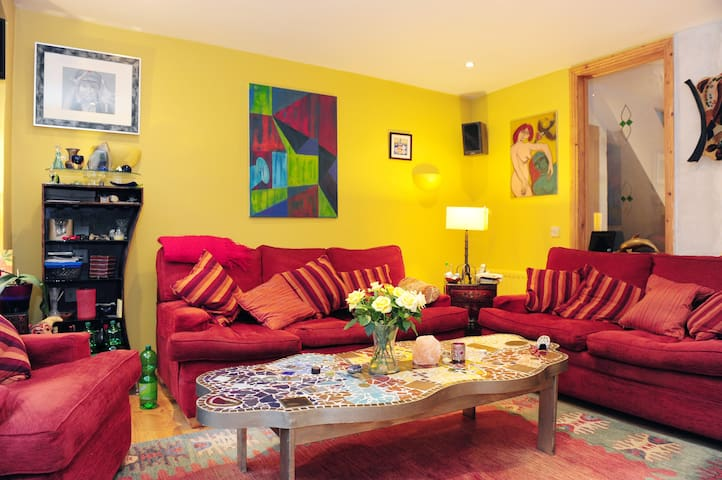 1 double room @ €65 per night - Sutton - Bed & Breakfast