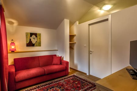 Zentrum Bruneck B&B Am Schloss Zen  - Bruneck - Bed & Breakfast