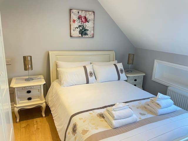 Double room  4'6 bed