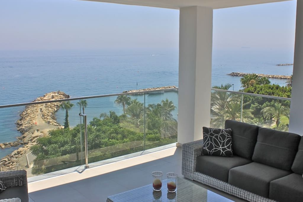 5b Delux Seafront Penthouse Amathus Pool Spa