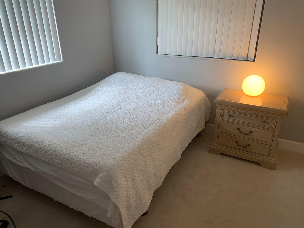 Bedroom W/Queen Bed Dresser & Closet. Ceiling Fan, TV
